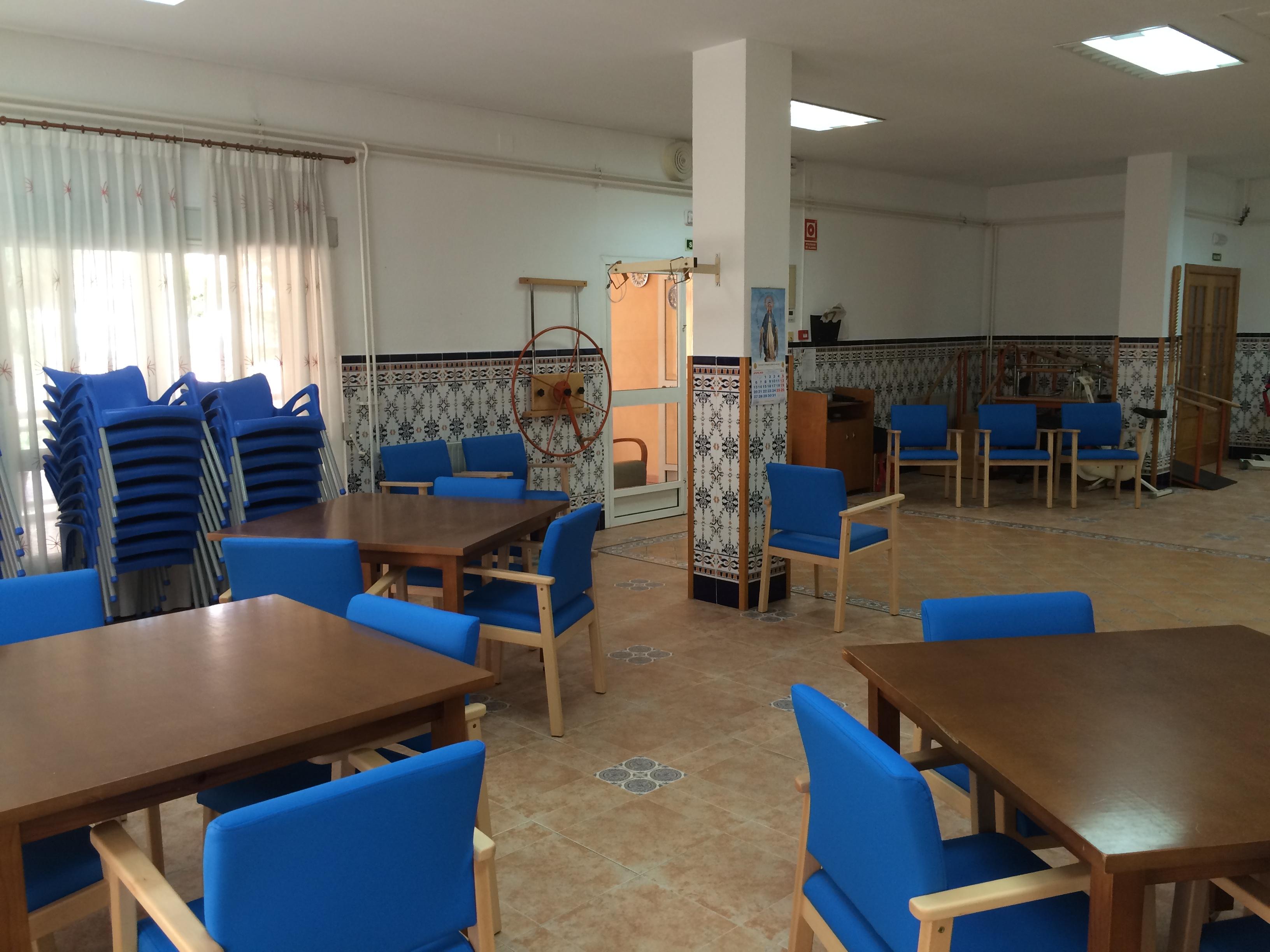 La importancia de la fisioterapia y el mobiliario geriátrico en la residencia para mayores